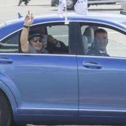 FOTO – Maradona sbarca in Bielorussia e viene accolto come un re: sarà il nuovo presidente della Dinamo Brest