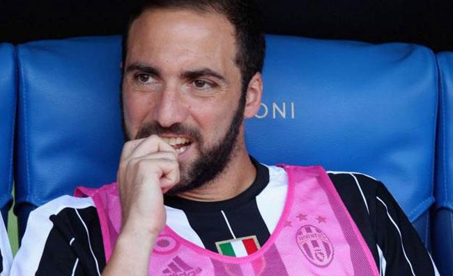 """Dall'Inghilterra: """"Svolta Higuain, Nicolas incontra il Chelsea: le cifre dell'affare con la Juve"""""""