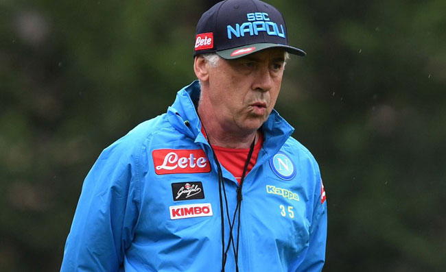 """""""Si può perdere uno Scudetto in albergo?"""". Ancelotti gran signore, lezione di sport a difesa di Sarri!"""