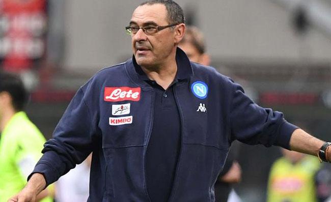 """Sarri: """"Spesso penso a quel Fiorentina-Napoli, Scudetto perso in albergo! Felice di Ancelotti"""""""