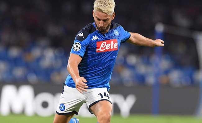 Il Napoli cambia idea sui rinnovi di Mertens e Callejon, tifosi in ansia: arrivano le ultime notizie