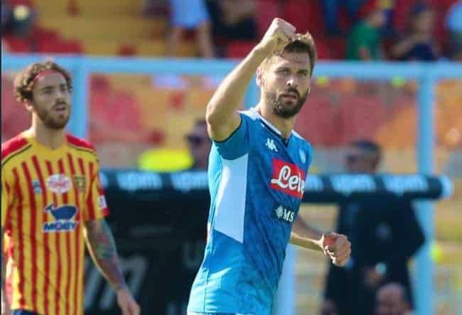 Il Napoli passa a Lecce, 4-1. Doppietta di Llorente. Var protagonista