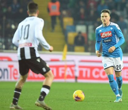 Bagliori di Napoli in un mare scialbo: a Udine finisce 1-1