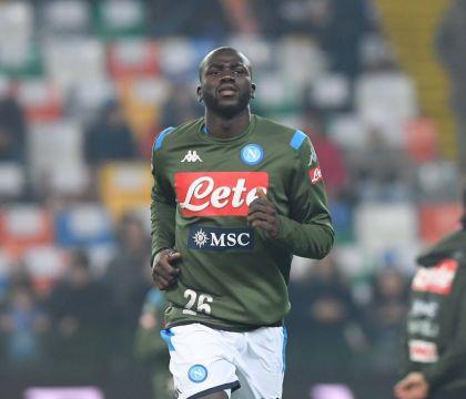 Il Napoli tiene palla ma non tira mai. L'Udinese segna: 1-0 al 45esimo