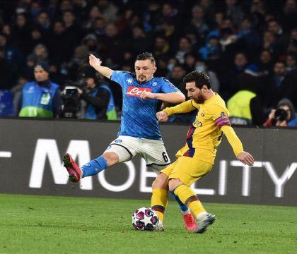 """Il Napoli: """"La diretta in chiaro su canale 5 non ha aiutato il sold-out, meglio farlo con i match in trasferta"""""""