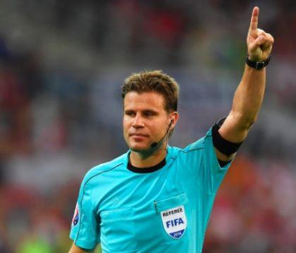 La moviola del CorSport: il gol del Barcellona era da annullare per fallo su Insigne