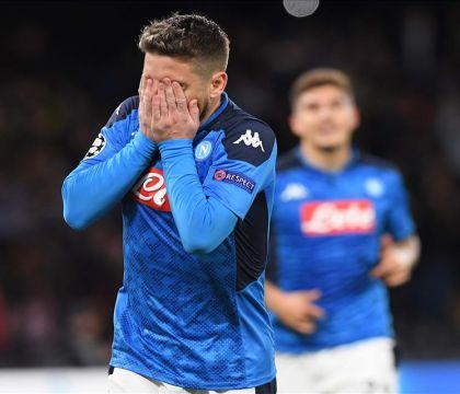 Mertens entra nella storia: Napoli-Barcellona 1-0 a fine primo tempo