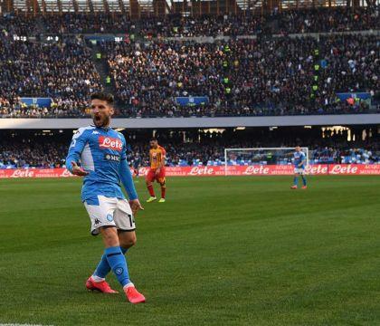 Per Mertens Napoli-Barcellona finisce al 53′. Sostituito da Milik per infortunio