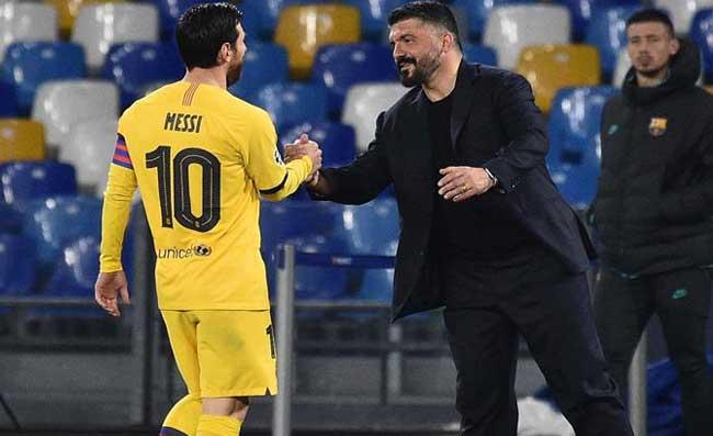 """Messi al San Paolo con lo """"scudiero"""" sempre al suo fianco. Altro che Maradona, dov'è il suo carisma?"""