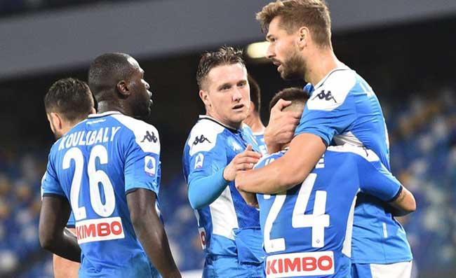 Napoli, sei calciatori con la valigia in mano! Chi va, chi resta e chi arriva: i nomi più caldi
