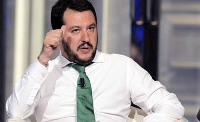 """Salvini: """"Vesuvio lavali col fuoco, mai detto"""". I social ribattono: """"Hai detto che i napoletani puzzano"""""""