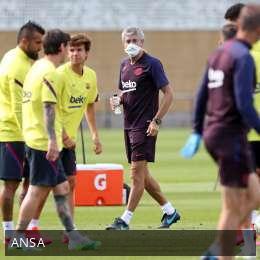 Riparte anche il Barcellona: primo allenamento al completo per Setien