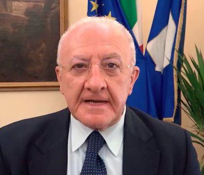 De Luca: «In Campania probabilmente si tornerà a scuola tra il 14 e il 16 settembre»