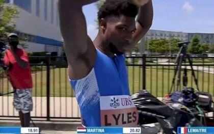 Distrugge il record del mondo sui 200 metri di Bolt. Ma ne ha corsi solo 185 (VIDEO)