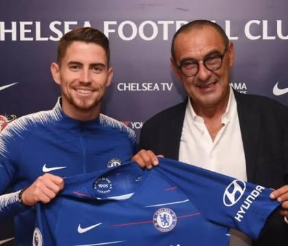 Sarri vuole salvare Jorginho dal Chelsea: offre Ramsey per lo scambio