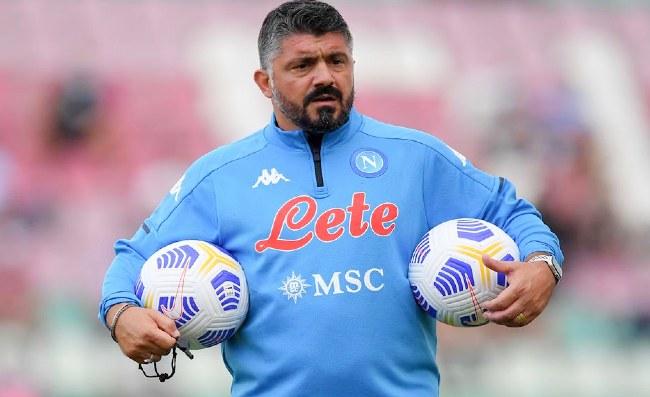 """Napoli, il """"nuovo"""" terzino non può giocare giovedì. Allenamenti intensi a Castel Volturno"""