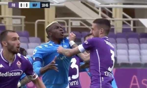 Fiorentina-Napoli, Chiffi al VAR nega un rigore netto agli azzurri