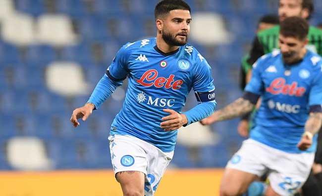 Insigne porta il Napoli in vantaggio, la richiesta di Gattuso al quarto uomo