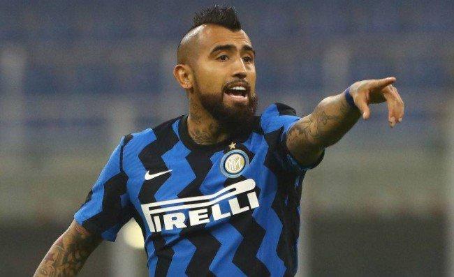 L'Inter perde con la Juventus, Vidal si diverte sui social: come la prenderà Conte?
