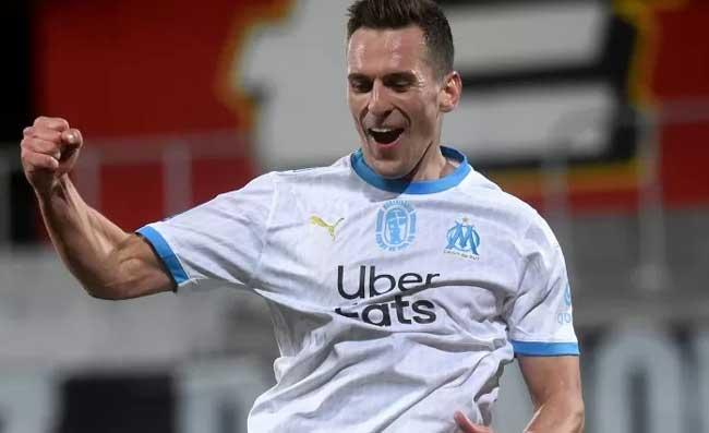 Tripletta di Milik contro l'Angers: il polacco si porta il pallone a casa (FOTO)