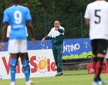 Napoli-Pro Vercelli: solo un gol (1-0), di Osimhen. Ansia per il ginocchio di Demme