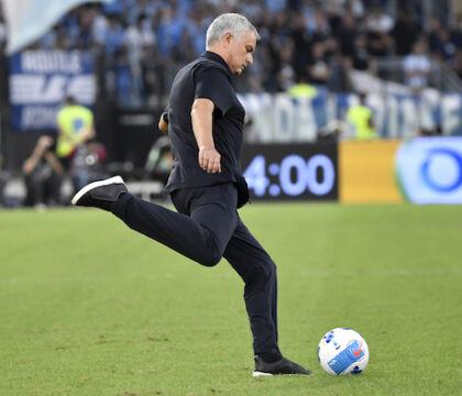 Mourinho se ne va: «Voglio la conferenza con i giornalisti, non con l'addetto stampa»